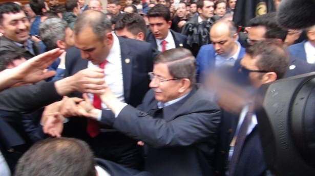 Sare Davutoğlu'ndan Konya'da dikkat çeken hareket 13