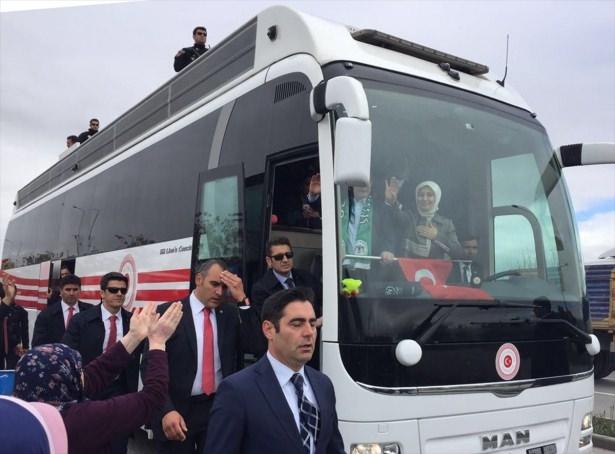 Sare Davutoğlu'ndan Konya'da dikkat çeken hareket 18