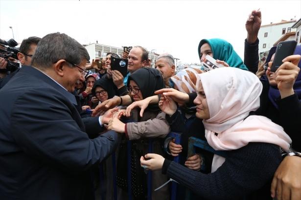 Sare Davutoğlu'ndan Konya'da dikkat çeken hareket 2