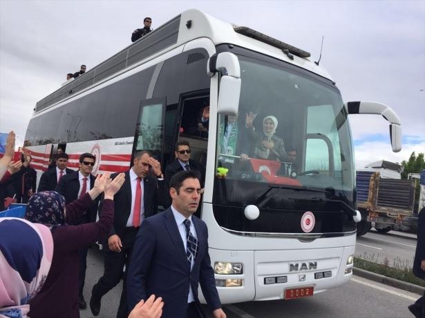 Sare Davutoğlu'ndan Konya'da dikkat çeken hareket 21