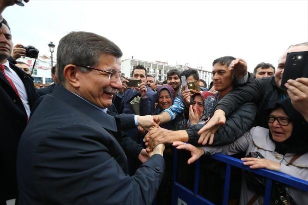 Sare Davutoğlu'ndan Konya'da dikkat çeken hareket 3