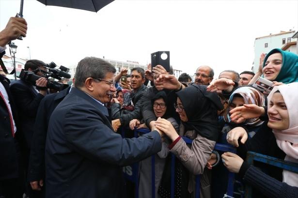 Sare Davutoğlu'ndan Konya'da dikkat çeken hareket 4