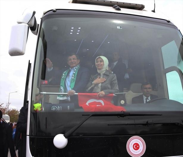Sare Davutoğlu'ndan Konya'da dikkat çeken hareket 7
