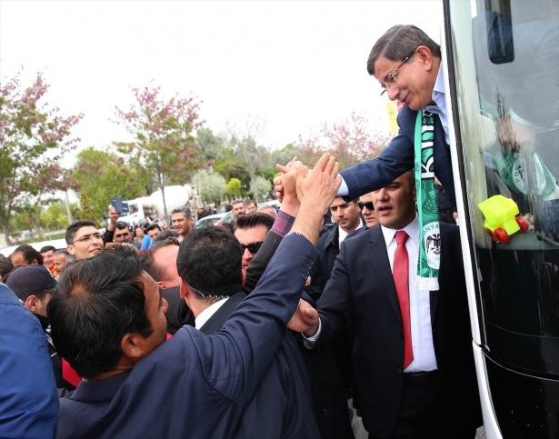 Sare Davutoğlu'ndan Konya'da dikkat çeken hareket 9