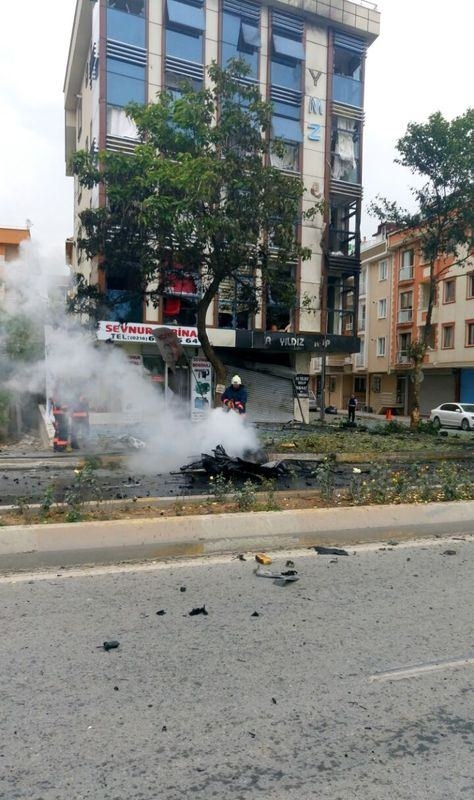 Sancaktepe'de askeri kışla karşısında patlama 11
