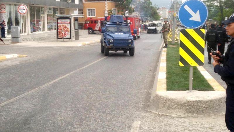 Sancaktepe'de askeri kışla karşısında patlama 20