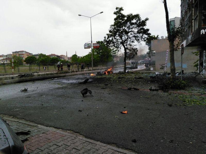 Sancaktepe'de askeri kışla karşısında patlama 4