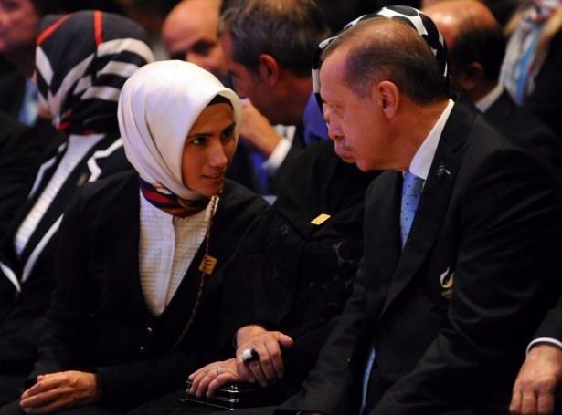 Sümeyye Erdoğan'ın mutlu günü 30