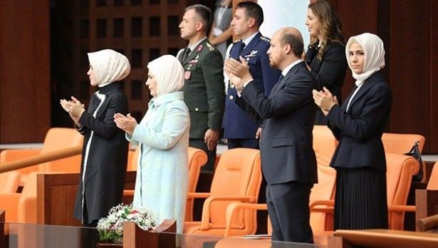 Sümeyye Erdoğan'ın mutlu günü 33