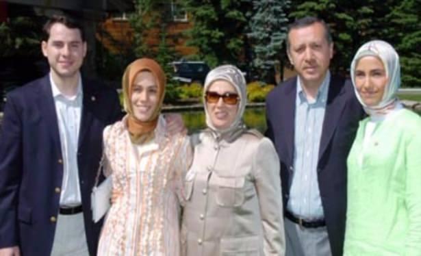 Sümeyye Erdoğan'ın mutlu günü 37
