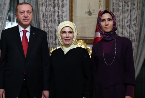 Sümeyye Erdoğan'ın mutlu günü 42