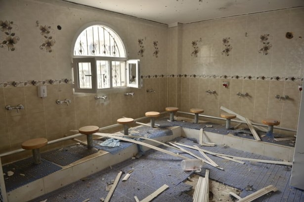 PKK'lı teröristler cami ve okulu yakıp yıktı! 6