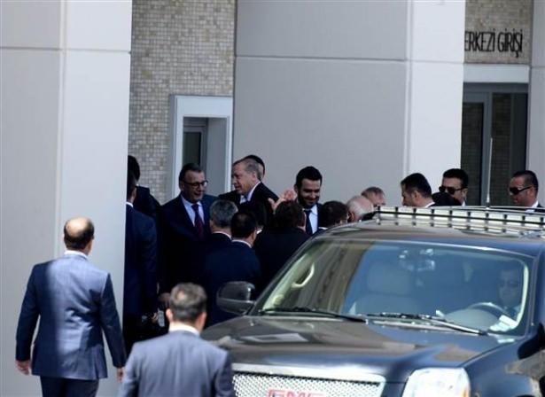 Sümeyye Erdoğan ve Selçuk Bayraktar'ın düğününden ilk kareler 15