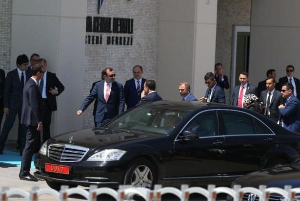 Sümeyye Erdoğan ve Selçuk Bayraktar'ın düğününden ilk kareler 19