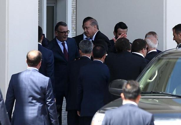 Sümeyye Erdoğan ve Selçuk Bayraktar'ın düğününden ilk kareler 20
