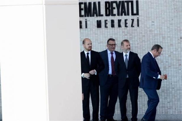 Sümeyye Erdoğan ve Selçuk Bayraktar'ın düğününden ilk kareler 24