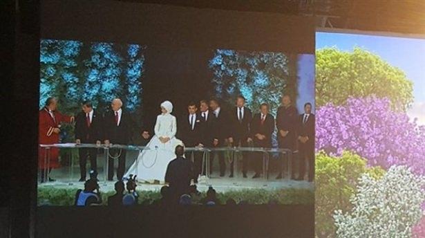 Sümeyye Erdoğan ve Selçuk Bayraktar'ın düğününden ilk kareler 30