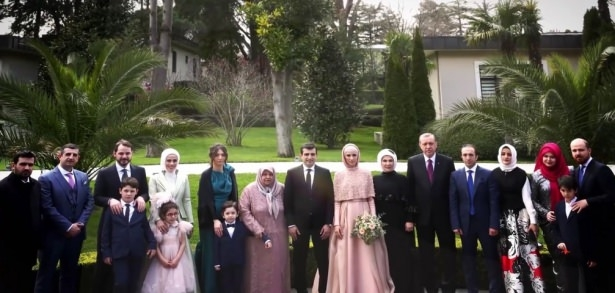 Sümeyye Erdoğan ve Selçuk Bayraktar'ın düğününden ilk kareler 31