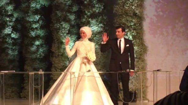 Sümeyye Erdoğan ve Selçuk Bayraktar'ın düğününden ilk kareler 32