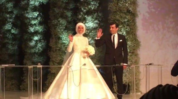 Sümeyye Erdoğan ve Selçuk Bayraktar'ın düğününden ilk kareler 33