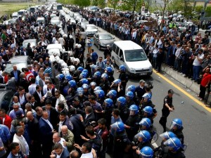 MHP'de olağanüstü kurultay tartışmaları