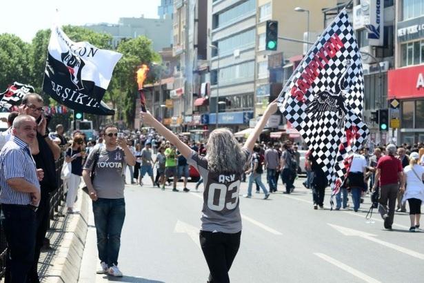 Beşiktaş taraftarı kutlamalara erken başladı 13