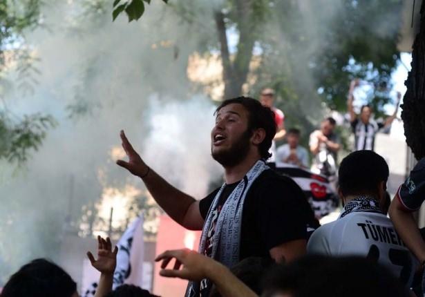 Beşiktaş taraftarı kutlamalara erken başladı 15