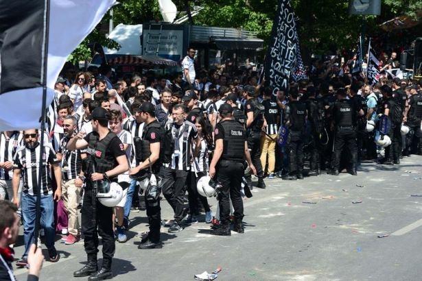 Beşiktaş taraftarı kutlamalara erken başladı 16