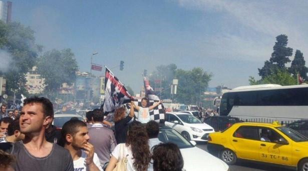 Beşiktaş taraftarı kutlamalara erken başladı 27