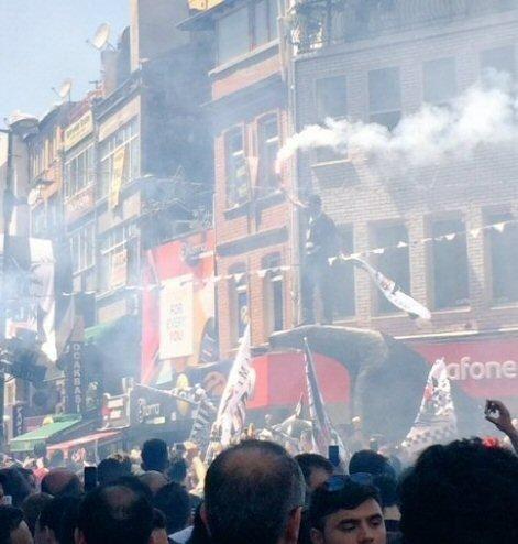 Beşiktaş taraftarı kutlamalara erken başladı 28