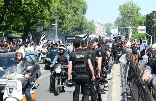 Beşiktaş taraftarı kutlamalara erken başladı 4