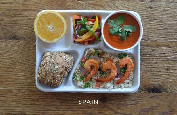 İşte ülkelere göre okullarda sunulan yemekler! 14
