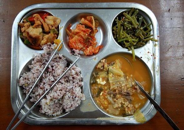İşte ülkelere göre okullarda sunulan yemekler! 16