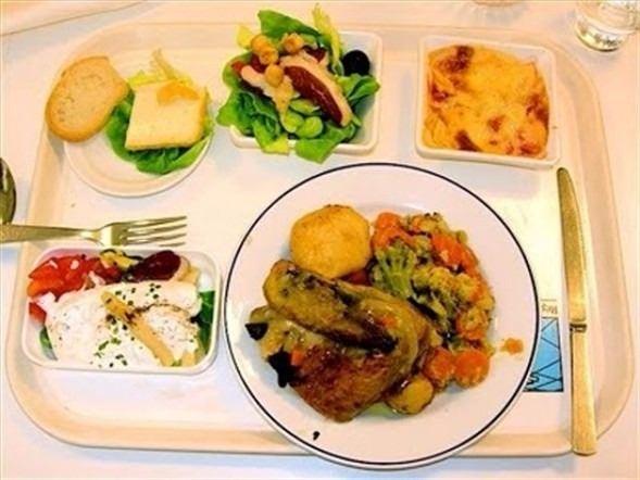 İşte ülkelere göre okullarda sunulan yemekler! 21