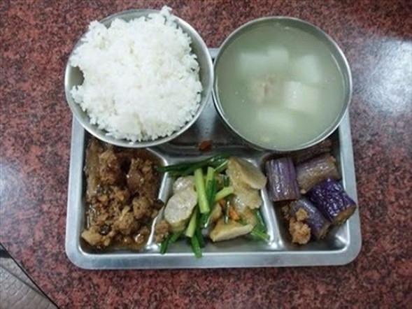 İşte ülkelere göre okullarda sunulan yemekler! 22