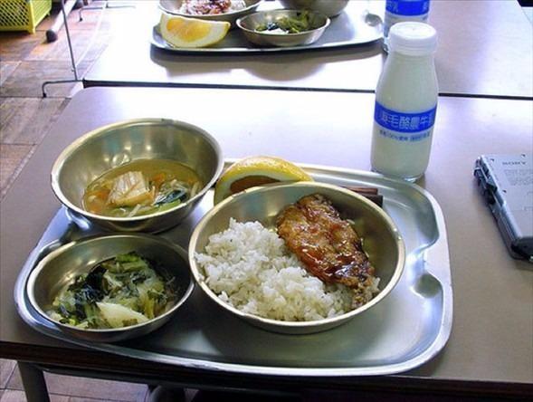 İşte ülkelere göre okullarda sunulan yemekler! 8