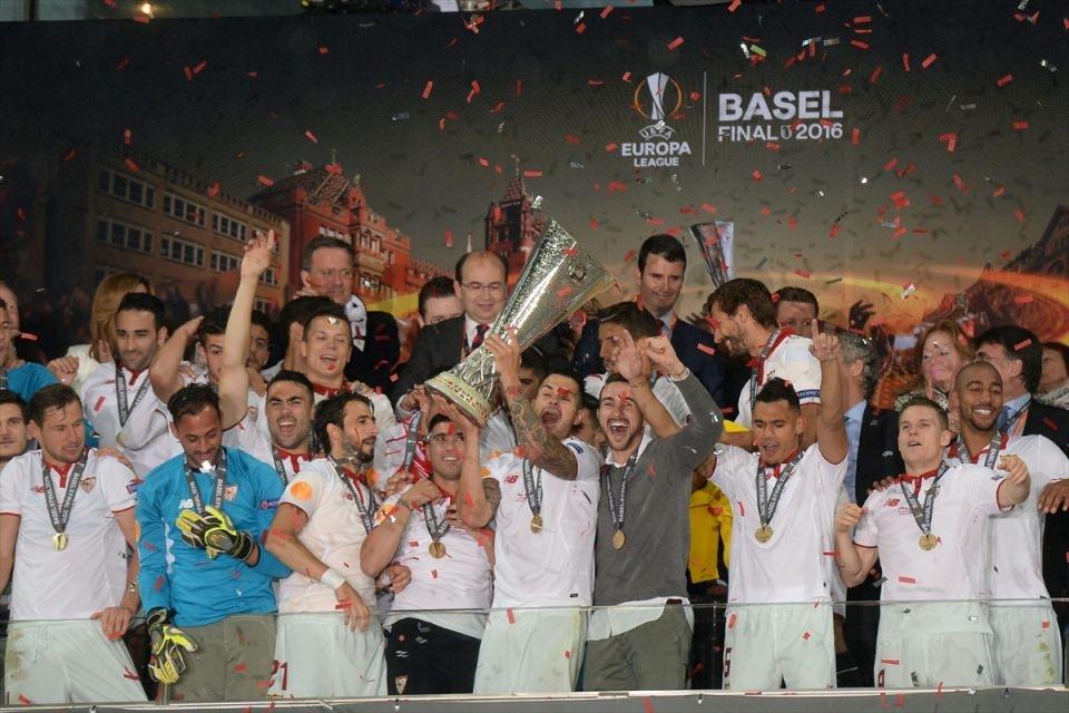 Avrupa'nın en büyüğü: Sevilla 1
