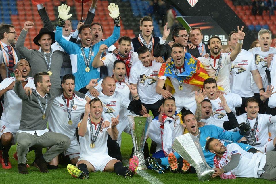Avrupa'nın en büyüğü: Sevilla 10