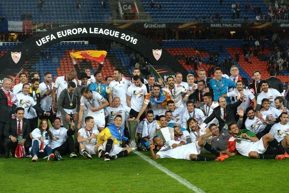 Avrupa'nın en büyüğü: Sevilla 11