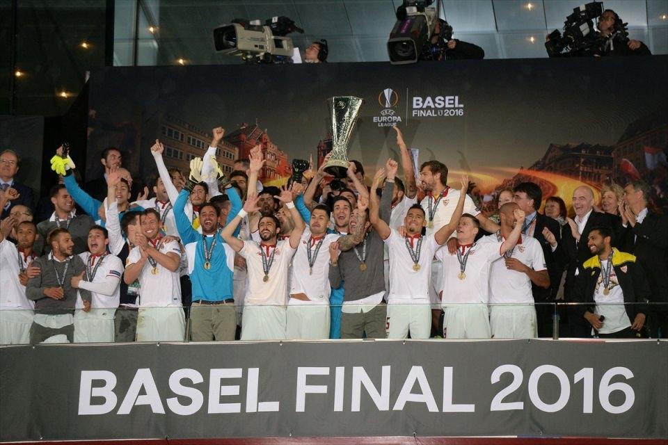 Avrupa'nın en büyüğü: Sevilla 2