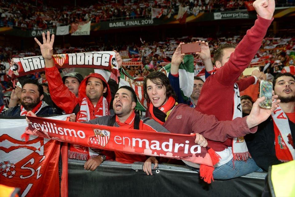 Avrupa'nın en büyüğü: Sevilla 23
