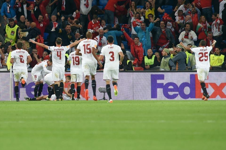 Avrupa'nın en büyüğü: Sevilla 24