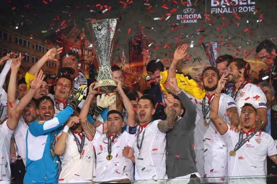 Avrupa'nın en büyüğü: Sevilla 34