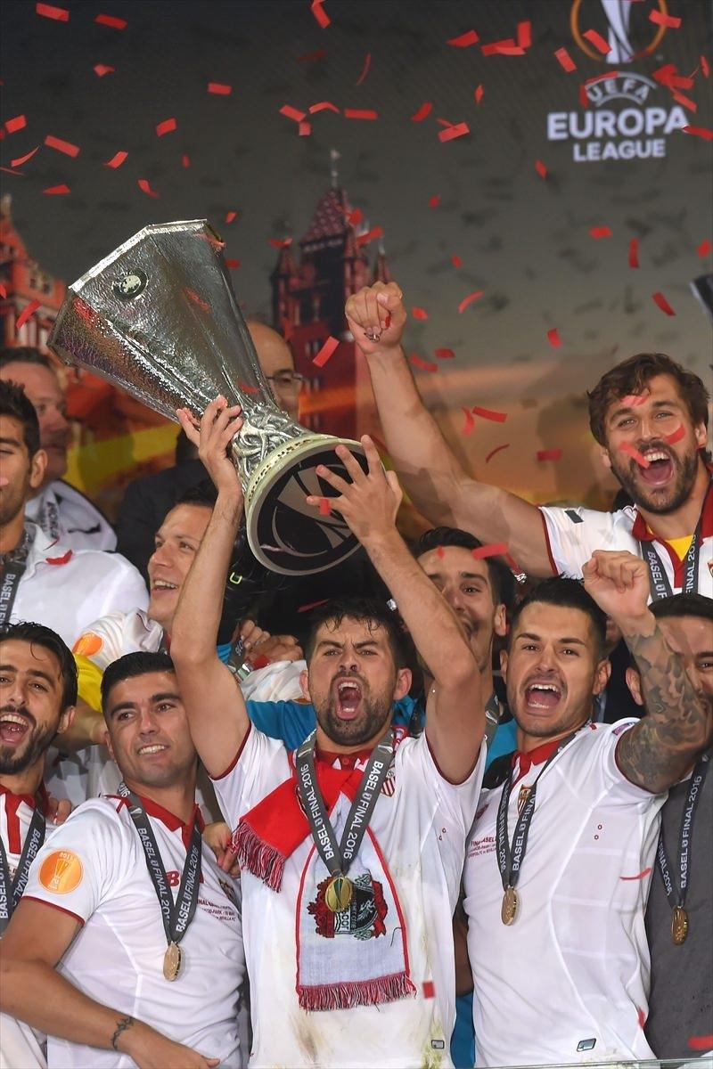 Avrupa'nın en büyüğü: Sevilla 36