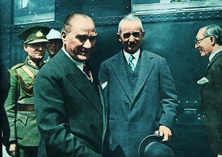 Görmediğiniz kareleriyle 'Atatürk' 101