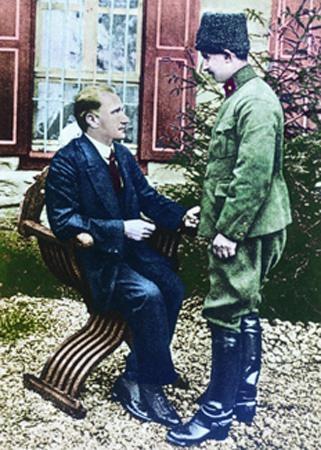 Görmediğiniz kareleriyle 'Atatürk' 106