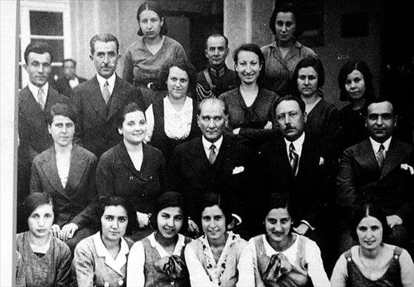 Görmediğiniz kareleriyle 'Atatürk' 11