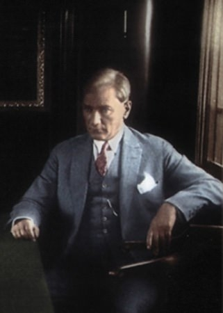 Görmediğiniz kareleriyle 'Atatürk' 110
