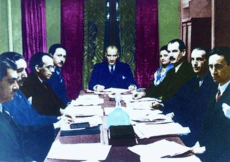 Görmediğiniz kareleriyle 'Atatürk' 112
