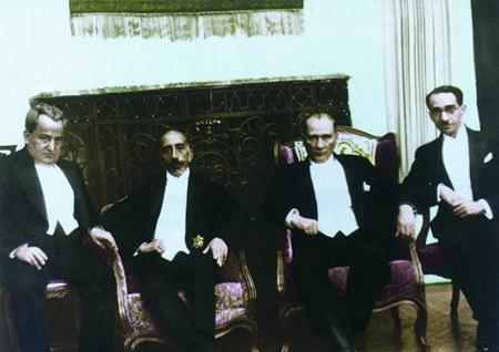 Görmediğiniz kareleriyle 'Atatürk' 113